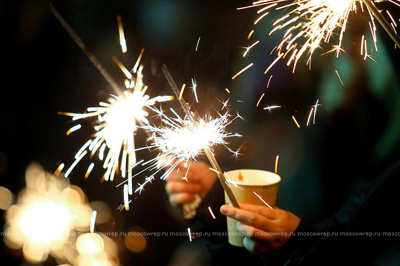 Московский репортаж, Москва, Moscow Design Week, Christmas Light Up, Ангелина Аскери, Алиса Крылова, Полина Аскери, МГУ, Елена Вартанова