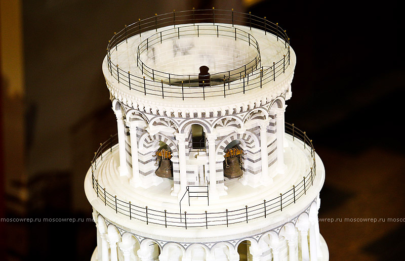 Пизанская башня из бумаги