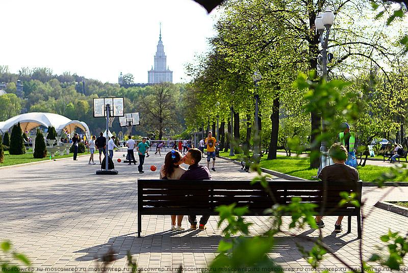 Московский репортаж, Москва, Лужники, 1 мая, Открытие летнего сезона