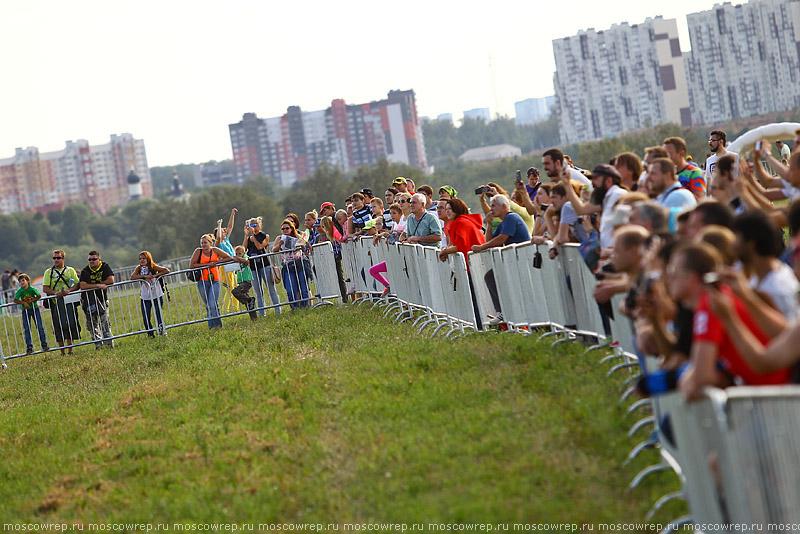Московский репортаж, Москва, Московское небо