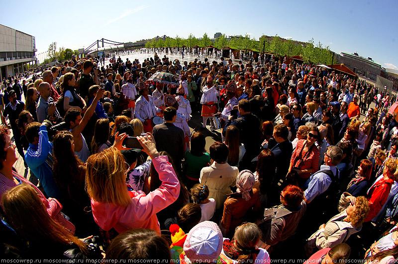 Москва, Московский репортаж, Крымская набережная, Музеон, оркестр, Фестиваль шагающих оркестров