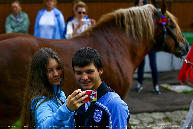 Москва, Московский репортаж, Коломенское, День лошади, Усадьба конюха, День святых Флора и Лавра